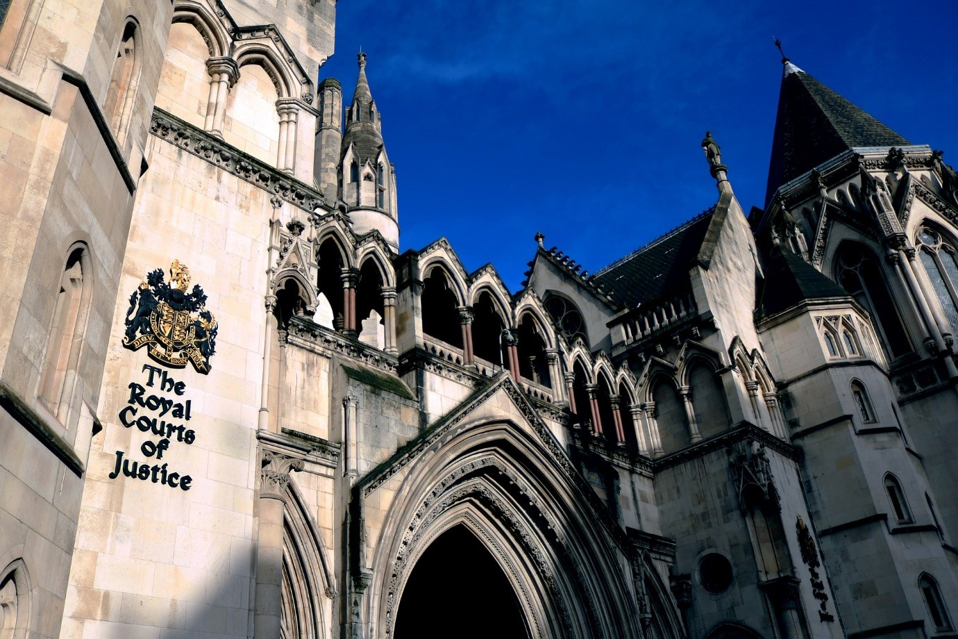 Royal courts of justice image